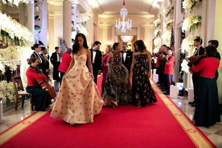 first-lady-michelle-obama-and-daughters-at-state-dinner